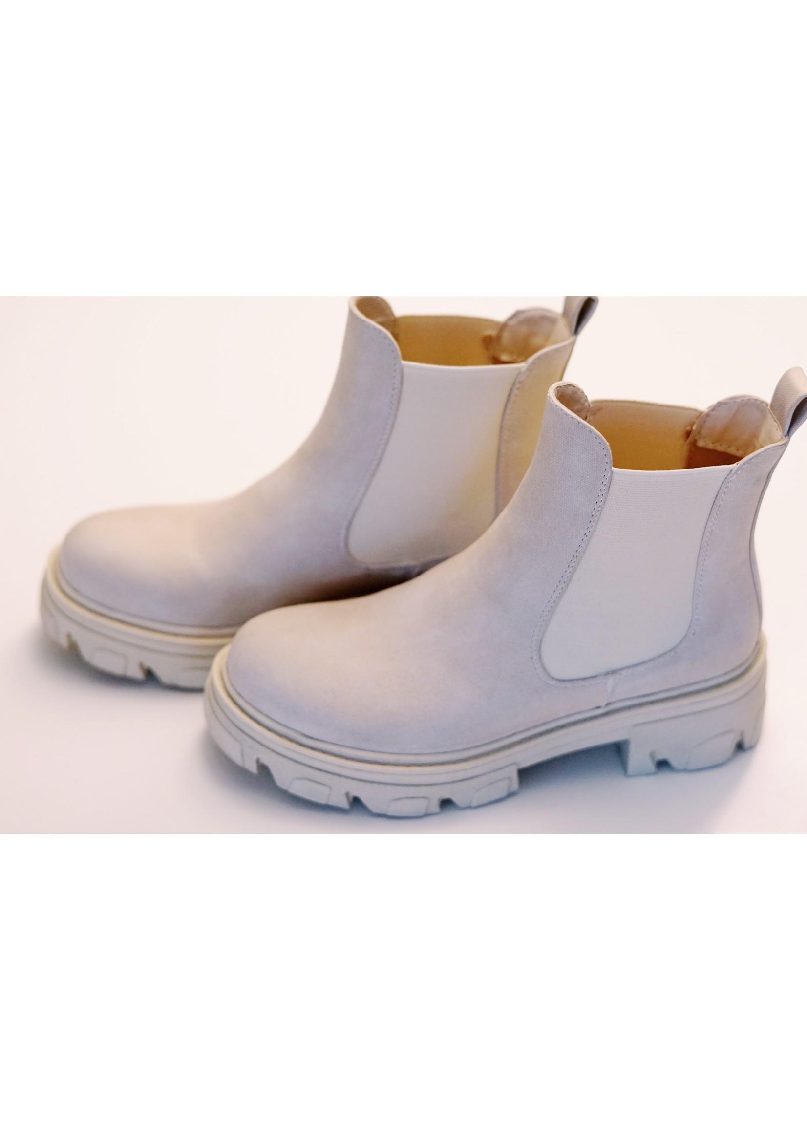 Beige spring boot