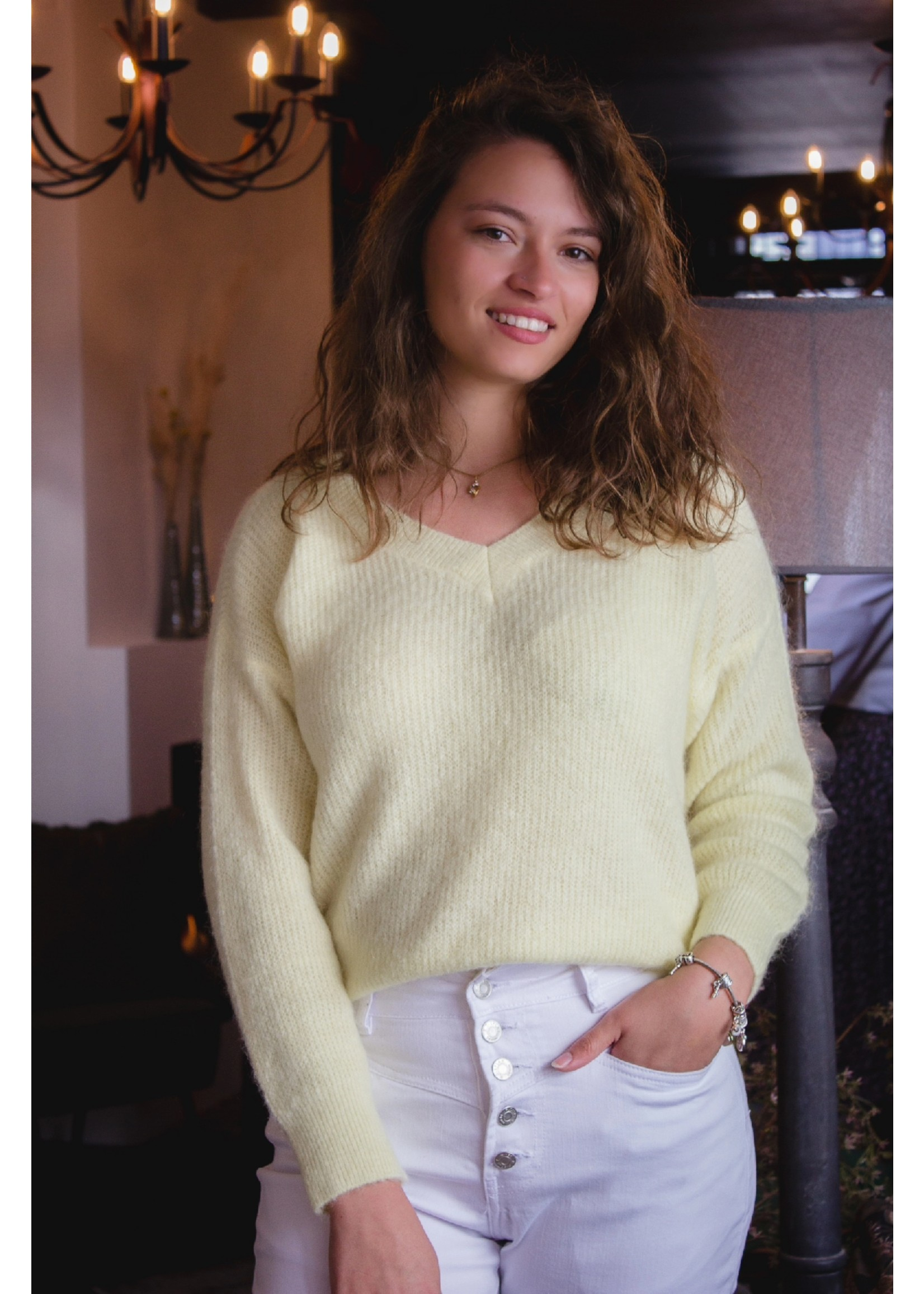 Mika Elles Soft neon yellow feeling knitted sweater