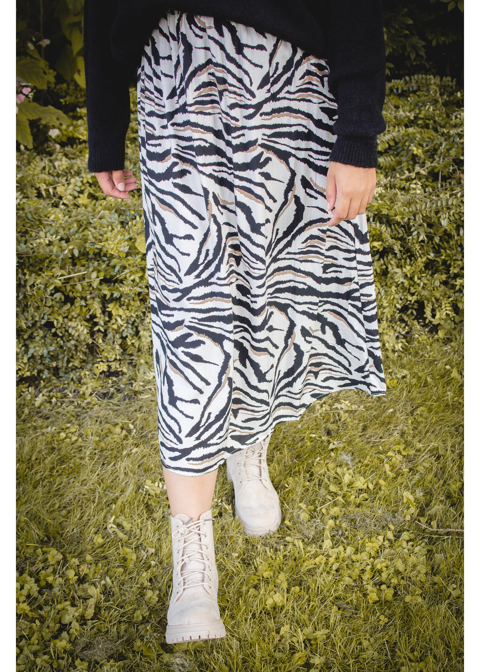 sisters point Midi power skirt