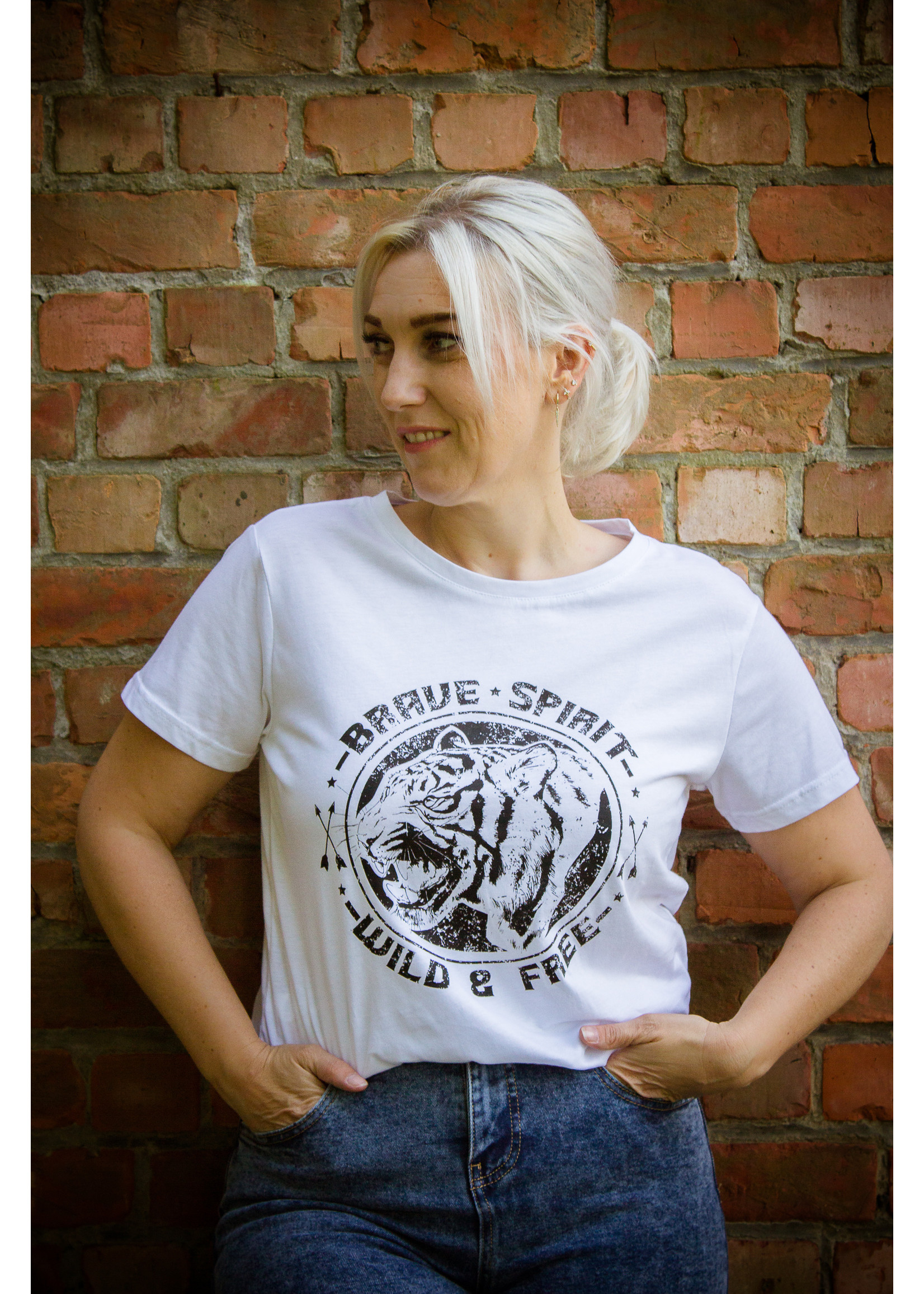 sisters point Wild and free shirt