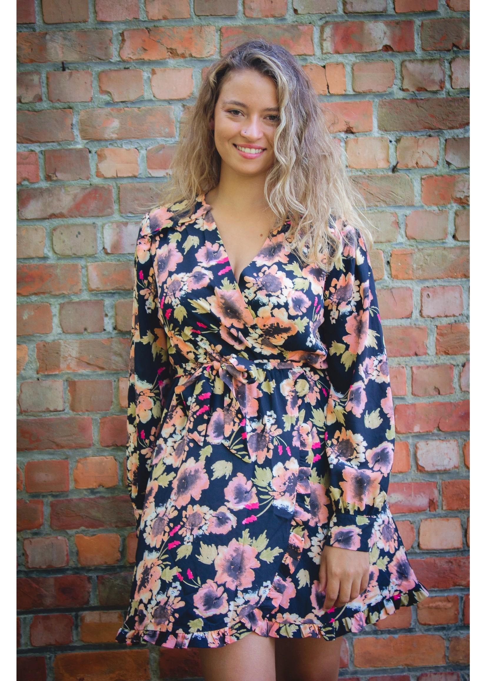 Cherry Paris Officiel Cute but flowy dress