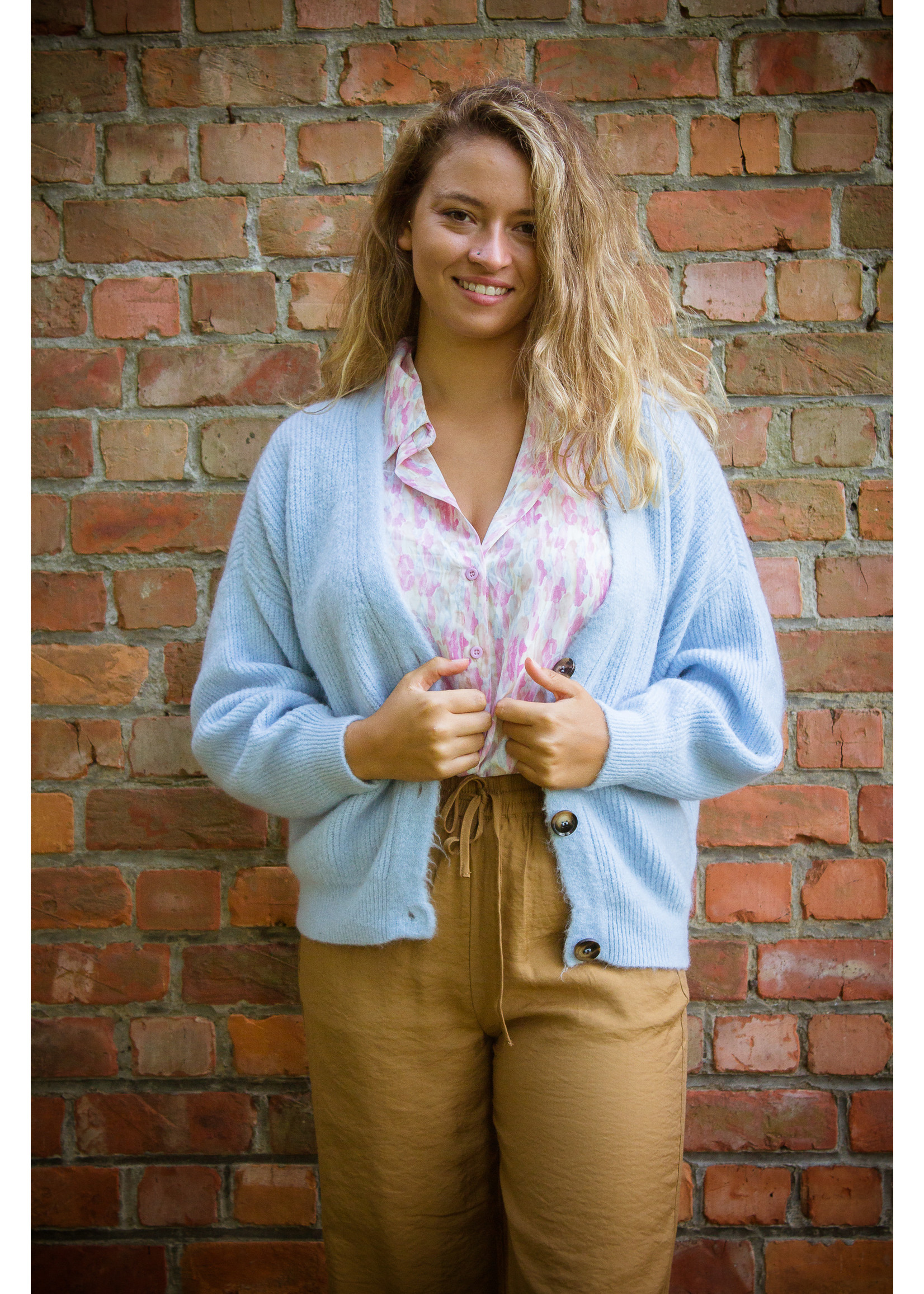 Mika Elles Baby blue knitted cardigan