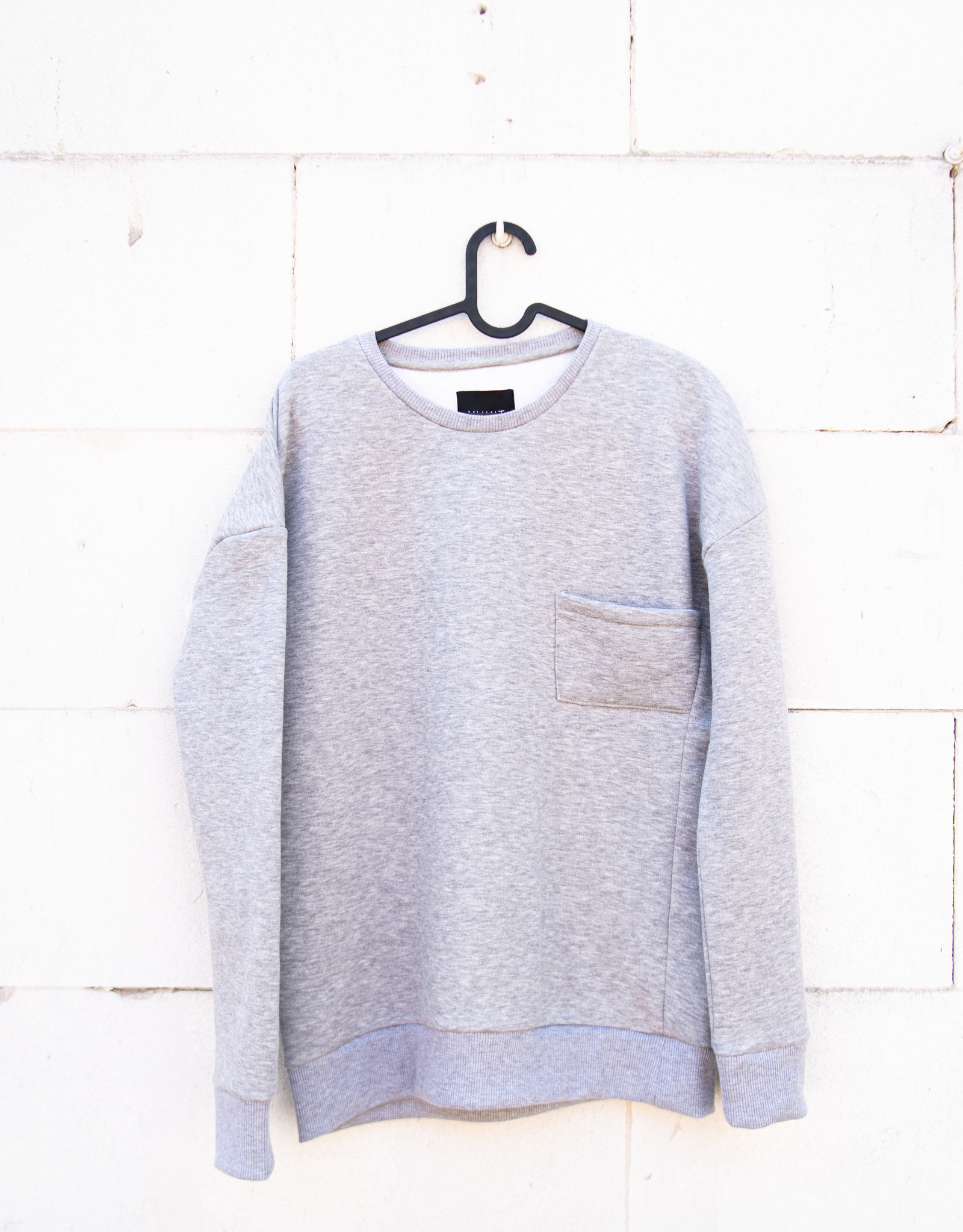 Leyo grey sweater