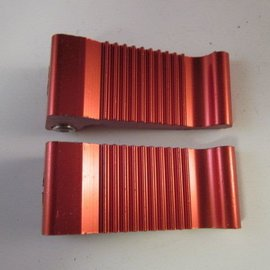 Sendai Voetsteunen massief aluminium rood klein (16D5)