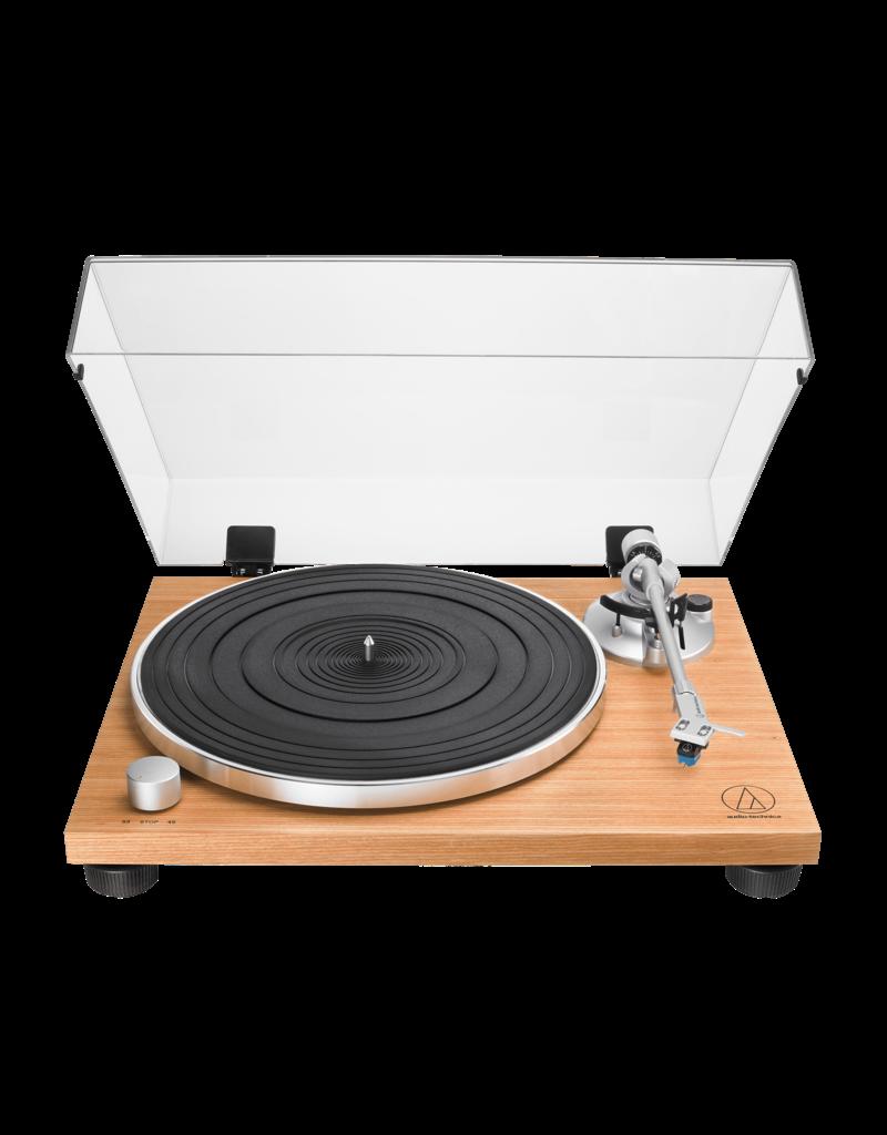 Audio Technica AT-LPW30TK turntable