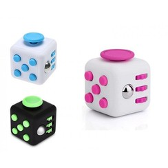 Magic Fidget knopjeskubus cube 3,5x3,5cm