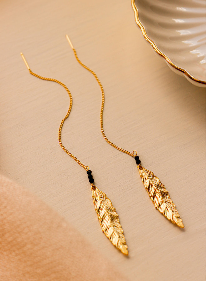 Willow leafs with faceted onyx
