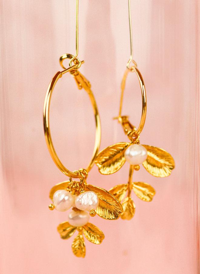 Izzy 2021-19  - Leaf sweet water peals  earrings