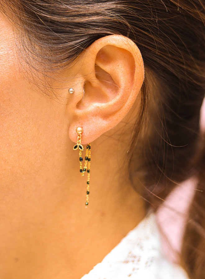 Tiny leaf connecting stud earring