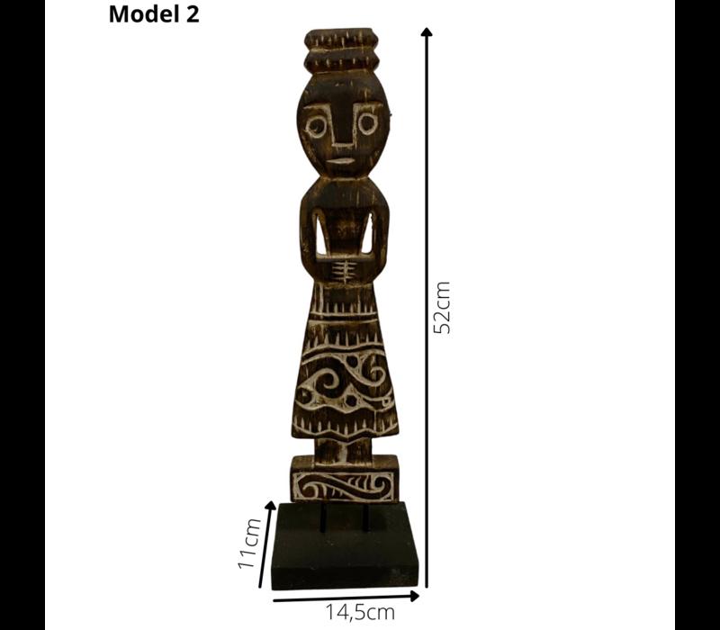 Houten decoratie vrouwenbeeld