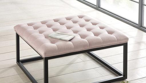 Een mooie toevoeging voor bij uw fauteuil, maar soms ook toe te passen als salontafel