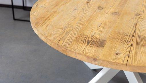 Eettafels geproduceerd van oud Grenen planken