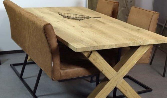 Hoe verwijder je kringen van een houten tafel?