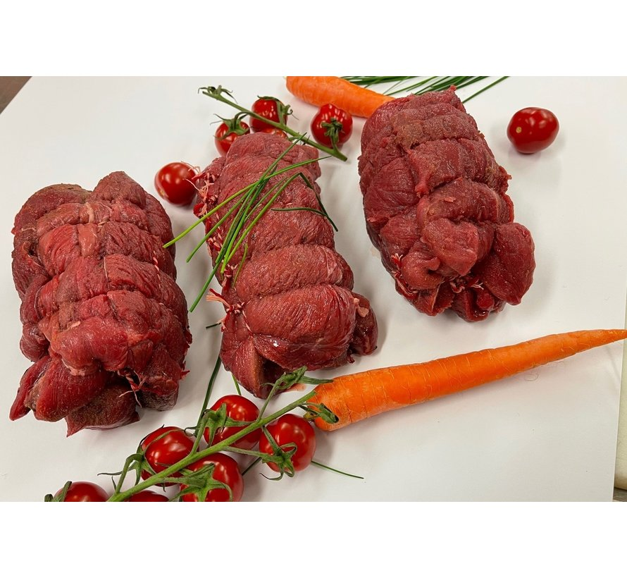 Wildzwijn-rollade uit de achterbout, handgeknoopt, matig gekruid voor een pure smaak beleving
