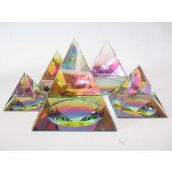 Kristallen piramide kleur 7x7 cm