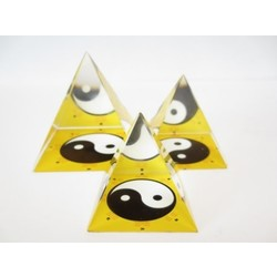 Kristallen piramide ying yang geel