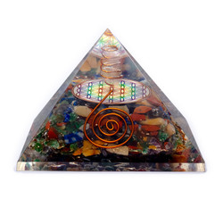 Orgoniet Piramide - Bloem des levens chakra met kristalpunt