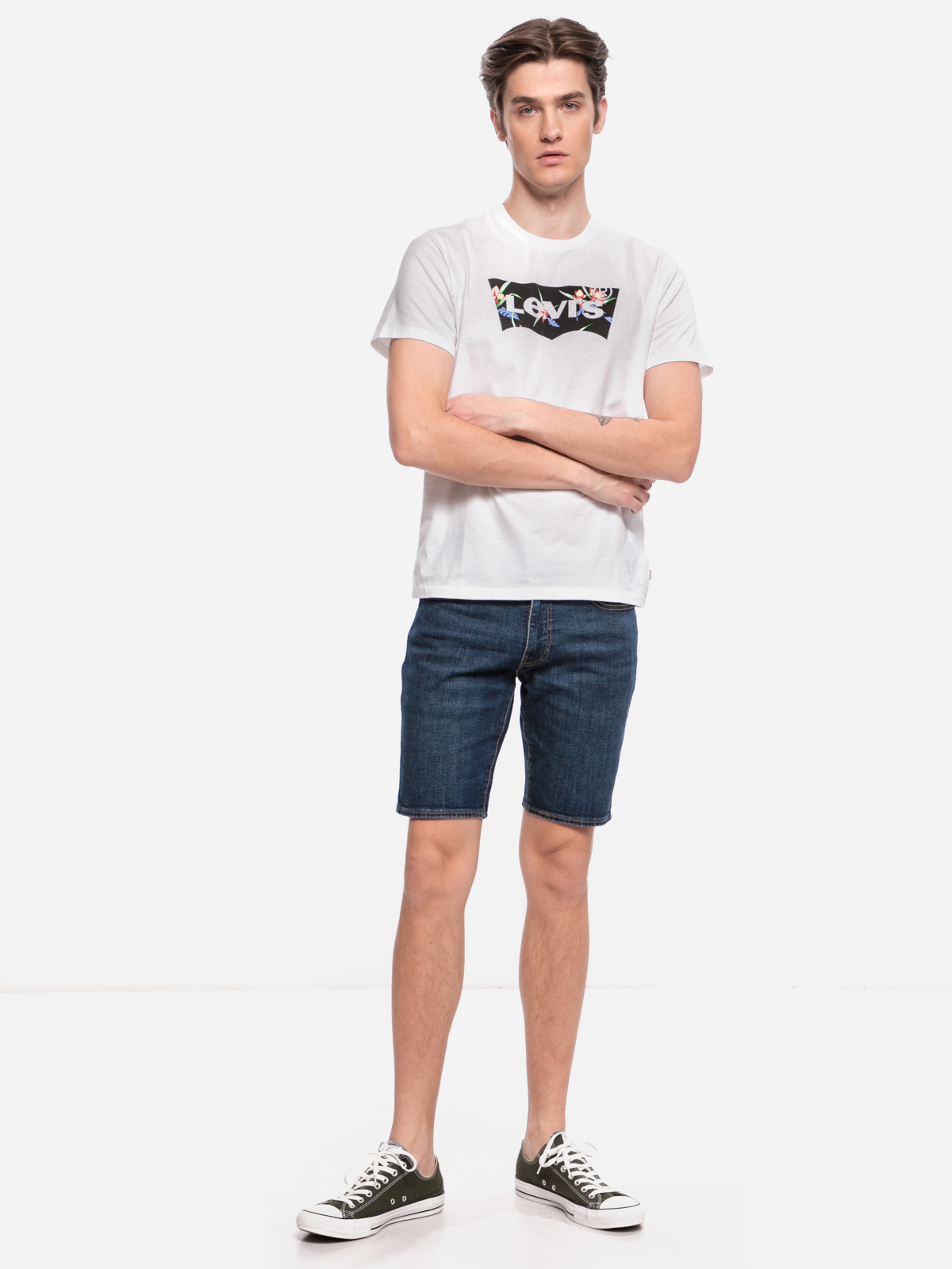LEVIS the graphic tee housemark-2