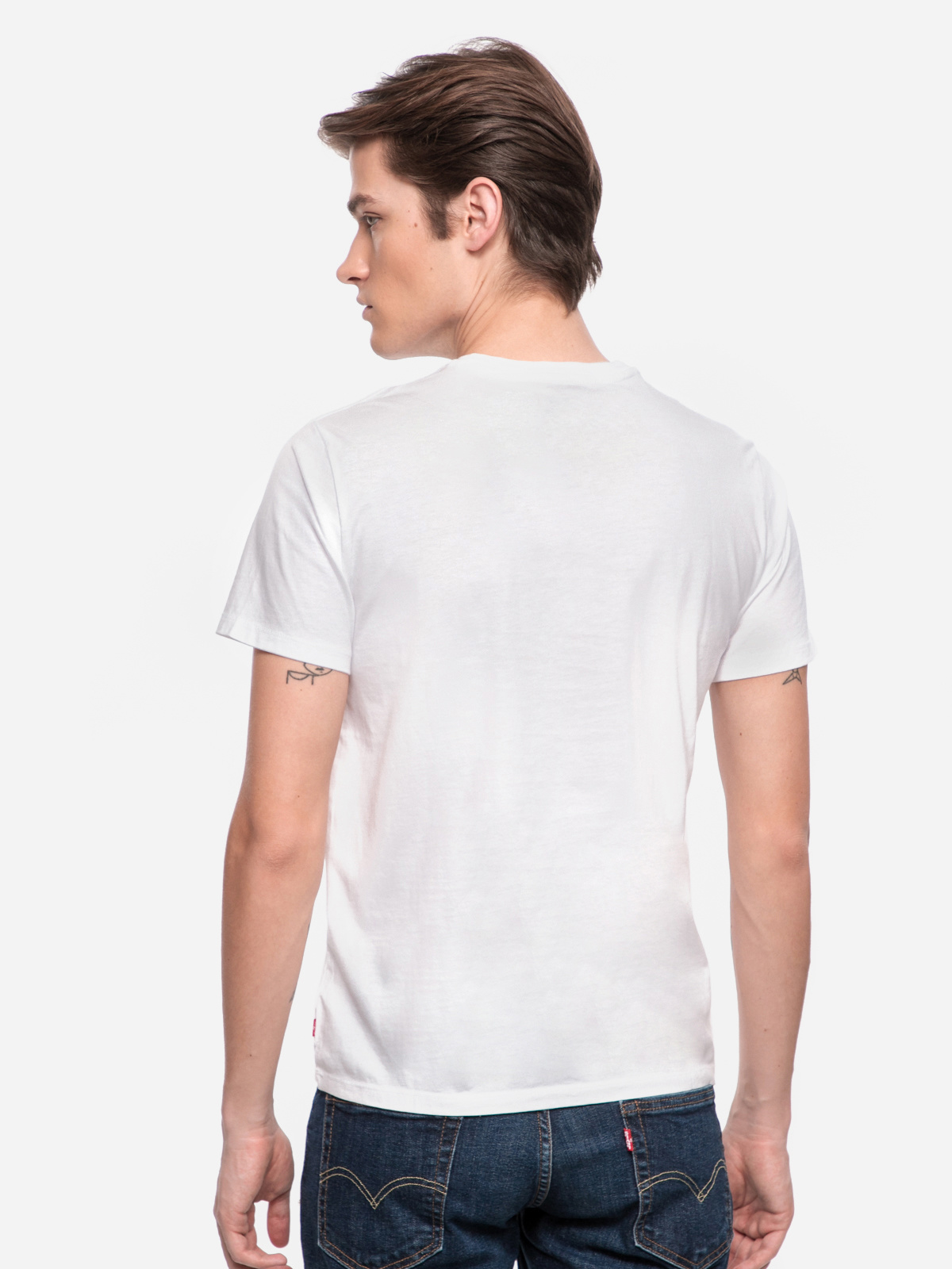 LEVIS the graphic tee housemark-3