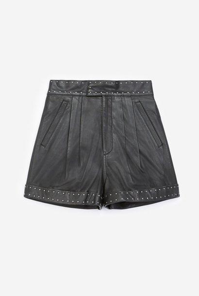 THE KOOPLES short noir cuir à ceinture cloutée
