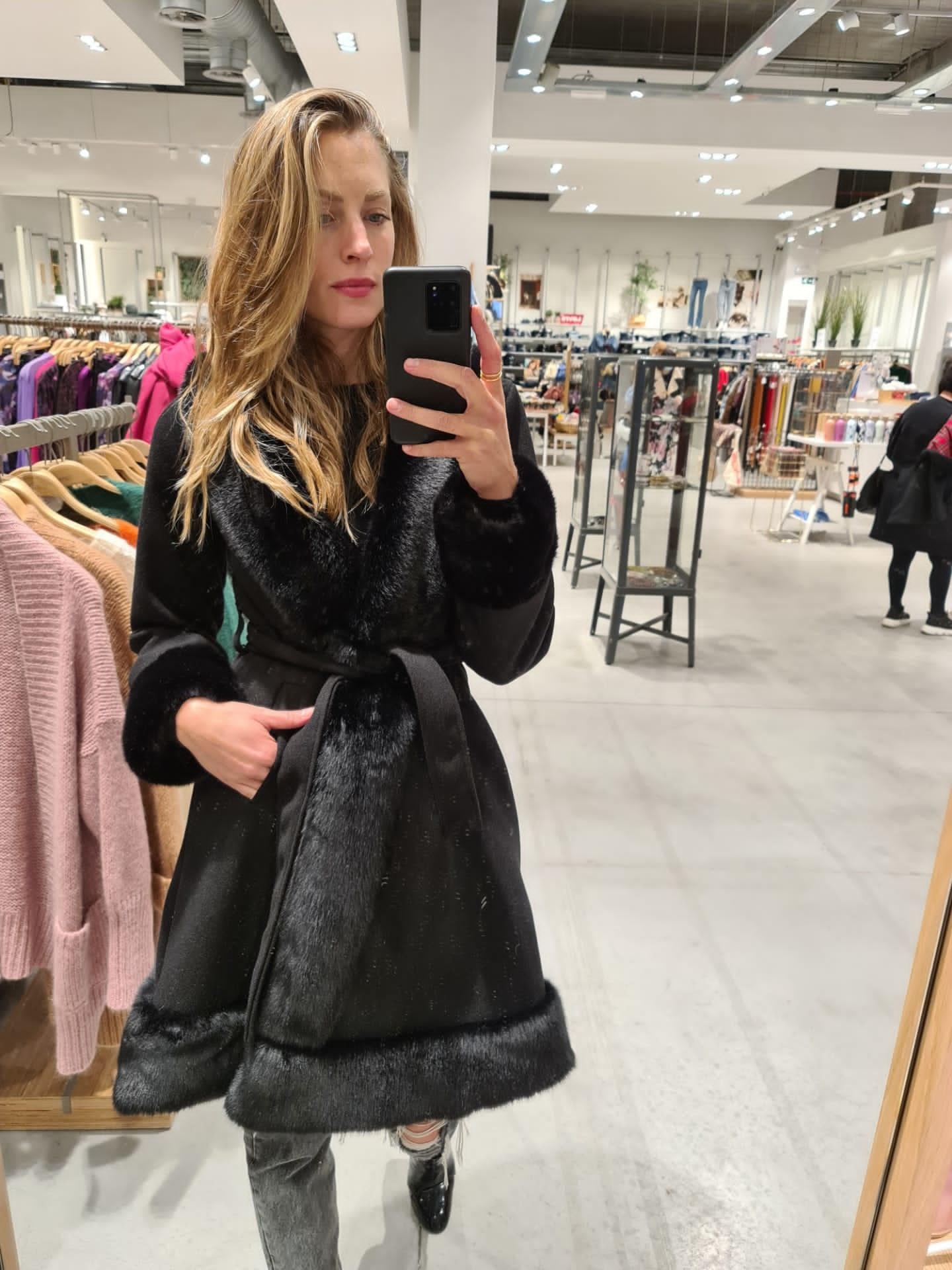 CAROLINA veste noire-1