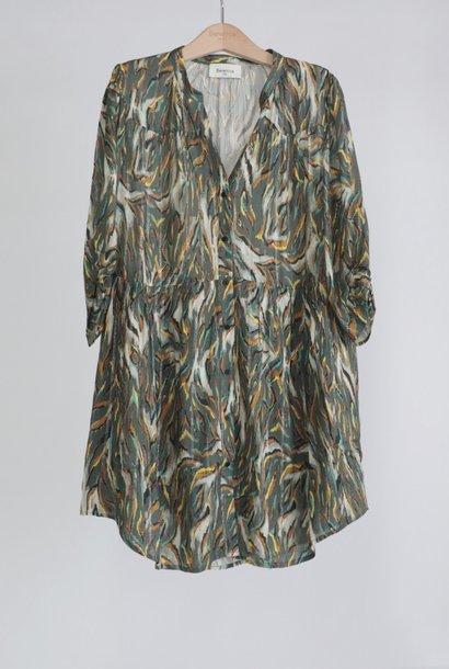RAJA robe