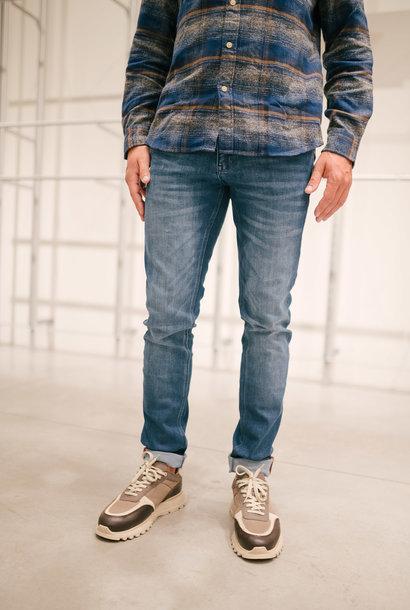 JULIEN jeans