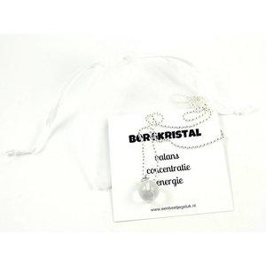 Bergkristal hangertje aan zilverkleurige ketting