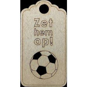 Houten label zet hem op | eenbeetjegeluk.nl