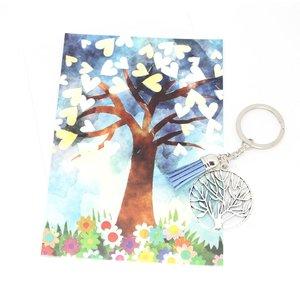 Kaart met de tree of life met een sleutelhanger tree of life   eenbeetjegeluk.nl