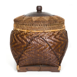 Bazar Bizar The Colonial Basket