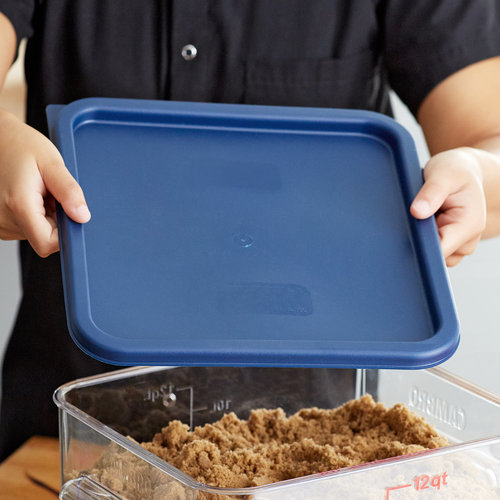 Cambro Midnight Blue Square Polyethylene Lid for 12, 18, and 22 Qt. Food Storage Containers | SFC12453