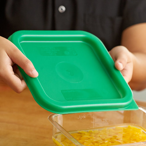 Cambro Kelly Green Square Polyethylene Lid for 2 and 4 Qt. Food Storage Containers