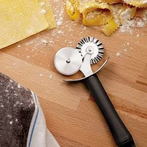 Paderno Double Pastry Wheel Cutter