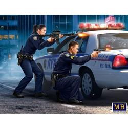 """Sgt Jack Melgoza and Patrolman Sally Taylor"" - Masterbox - MBLTD24064"