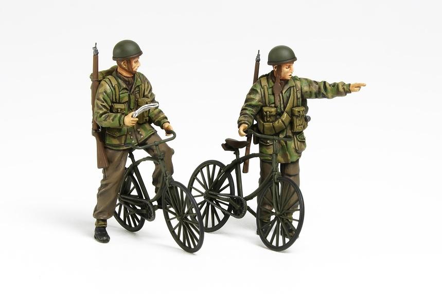 Tamiya British Paratroopers Set - W/Bicycles - Scale 1/35 - Tamiya - TAM35333