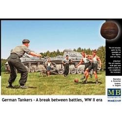 *German Tankers - A break between battles, WW II era* - Scale 1/35 - Masterbox - MBLTD35149