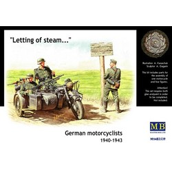 German Motorcyclists 1940 - 1943 - Scale 1/35 - Masterbox - MBLTD3539