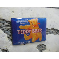 """Real Enamel Sign """"Teddy Bear Biscuits"""" - 49x34mm - Reality in Scale - RIS SIGN06"""