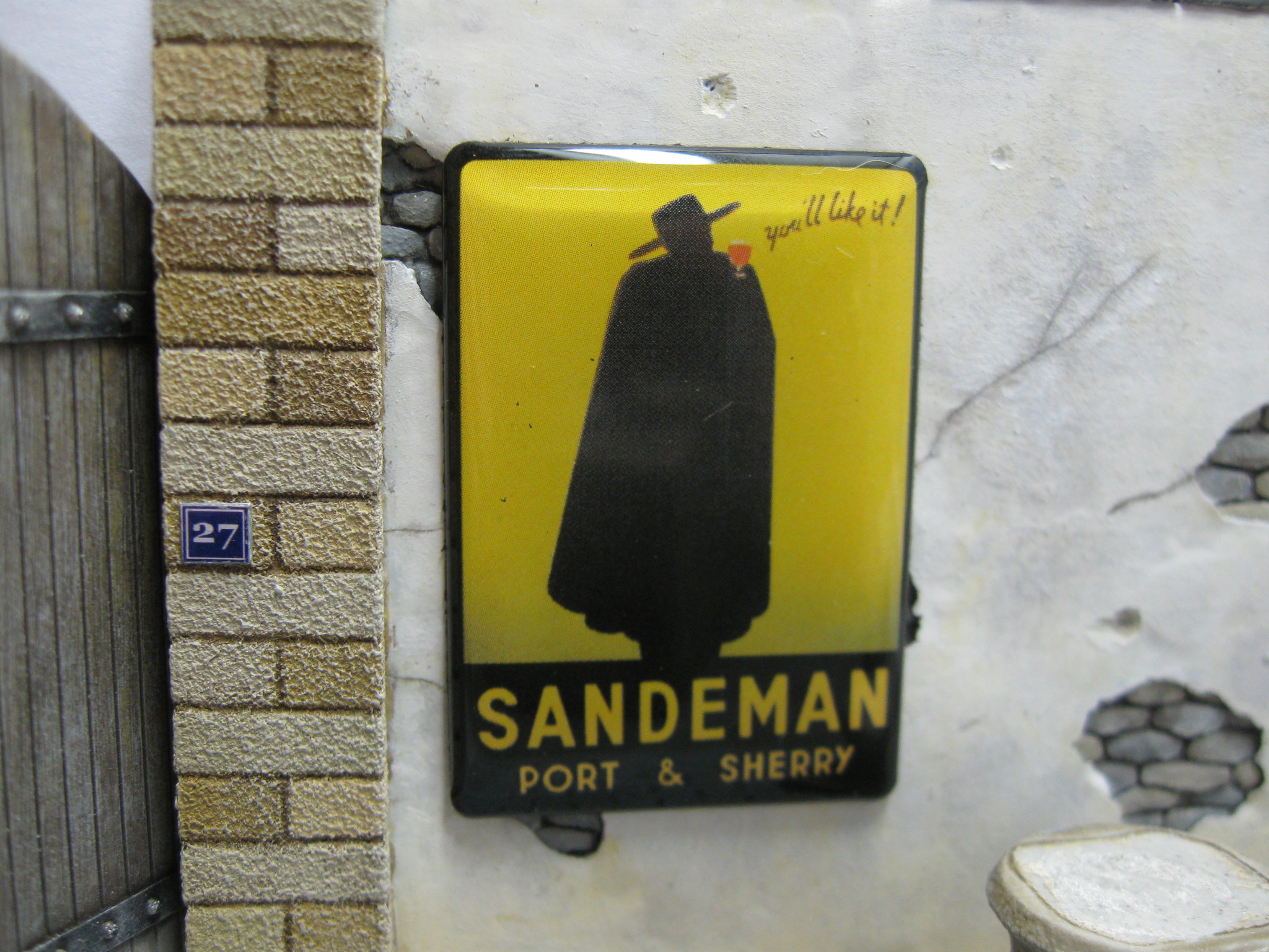 """Reality in Scale Real Enamel Sign """"Sandeman"""" - 49x34mm - Reality in Scale - RIS SIGN04"""