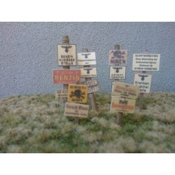 Wooden Signs WWII - Germany Set 2 - 21 signs & poles - Reality in Scale - RIS 35228