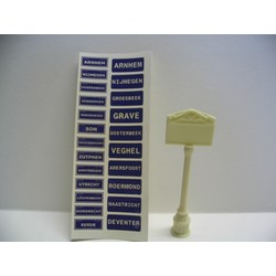 Real Enamel City Signs The Netherlands - incl. resin posts - Reality in Scale - RIS 35051