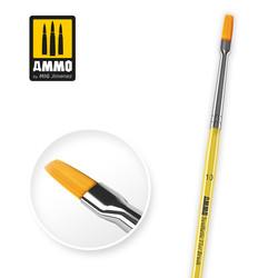 10 Synthetic Flat Brush - Ammo by Mig Jimenez - A.MIG-8622