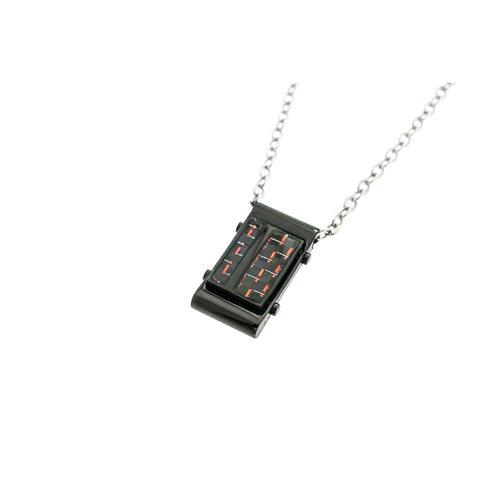 Edelstaal hanger voor heren met zwarte coating en rode carbone met ketting FABIAN