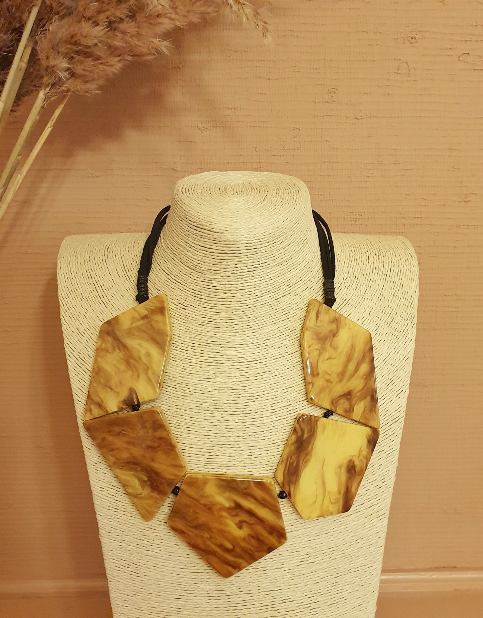 Resin necklace duro yellow