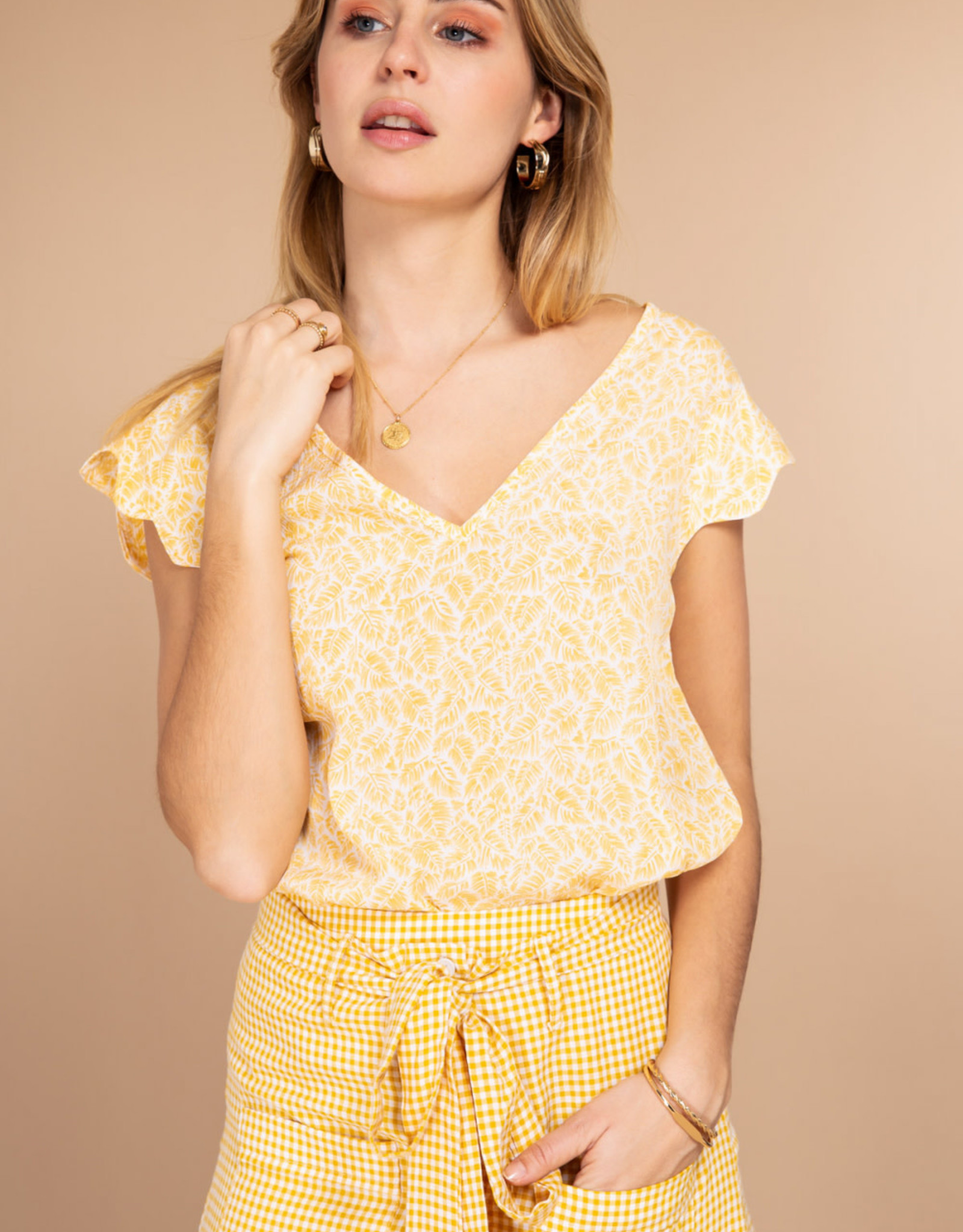 Lola top yellow