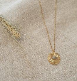 Summer eye dark necklace