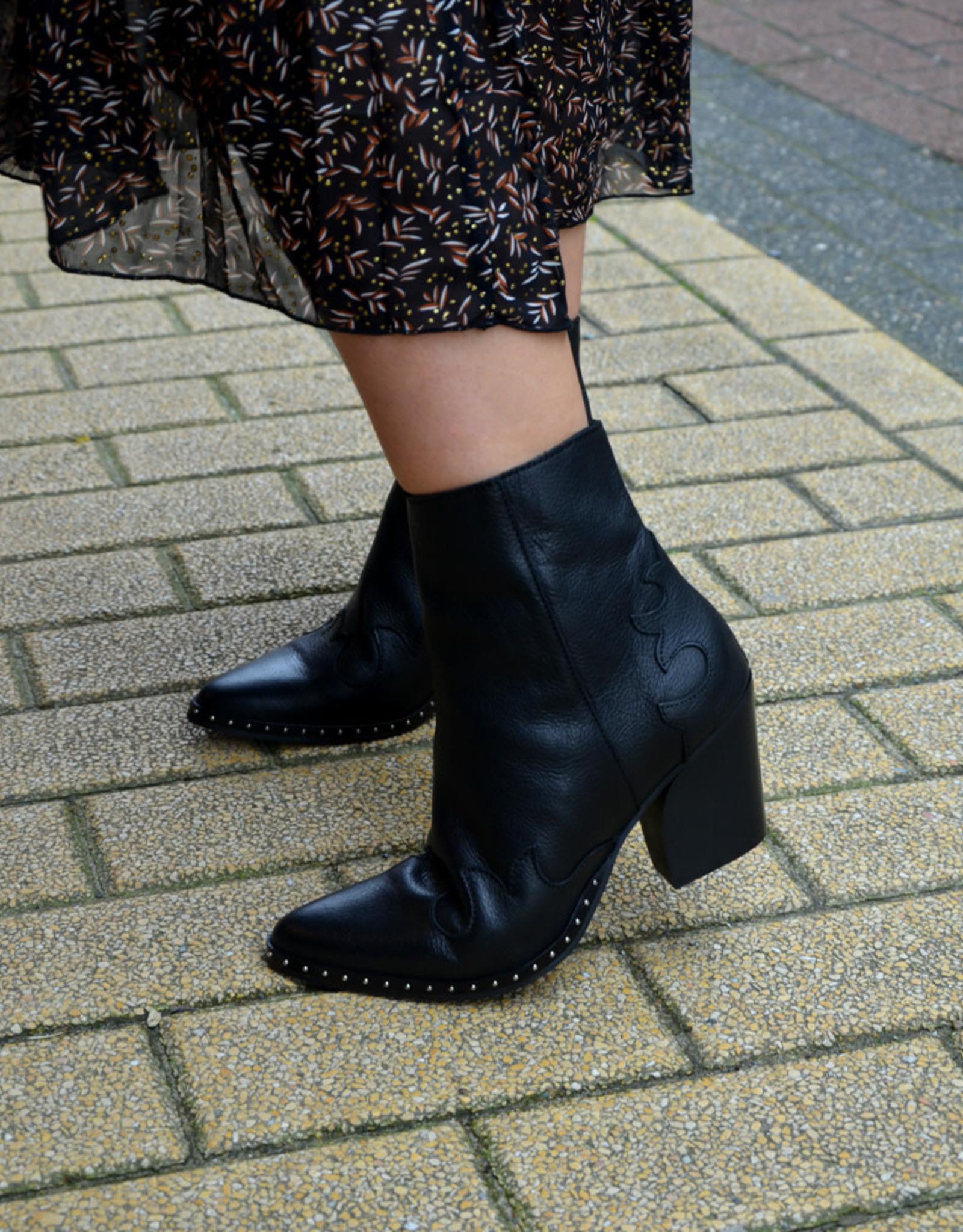Ella boots