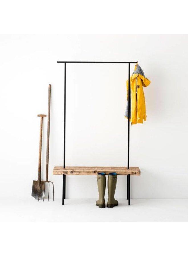 Design-Garderobe Altholz 01 von weld & co