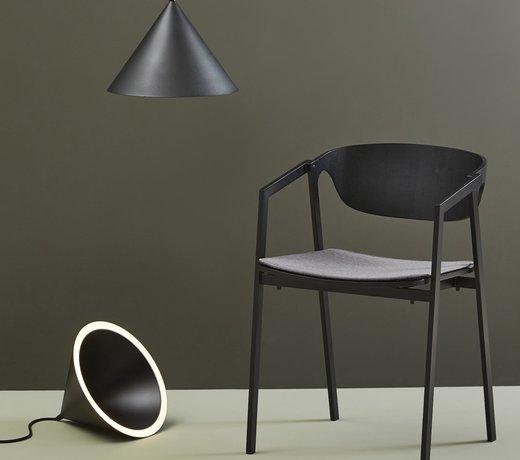 Skandinavische Stühle und Hocker